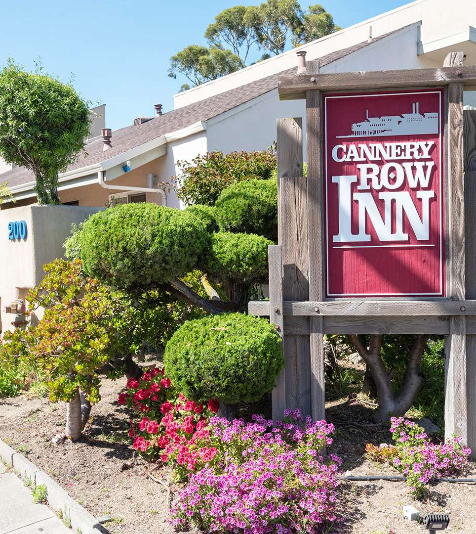 ENJOY A COMFORTABLE STAY AT OUR MONTEREY, CA HOTEL