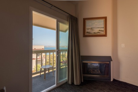 Welcome To the Cannery Row Inn - Ocean View King with Fireplace